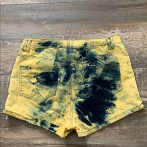 🌻3/20 Seductions sirens cute high rise shorts